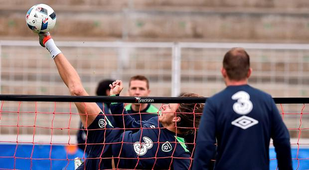 20 June 2016; Jeff Hendrick of Republic of Ireland during squad training at Versailles in Paris, France. Photo by David Maher/Sportsfile