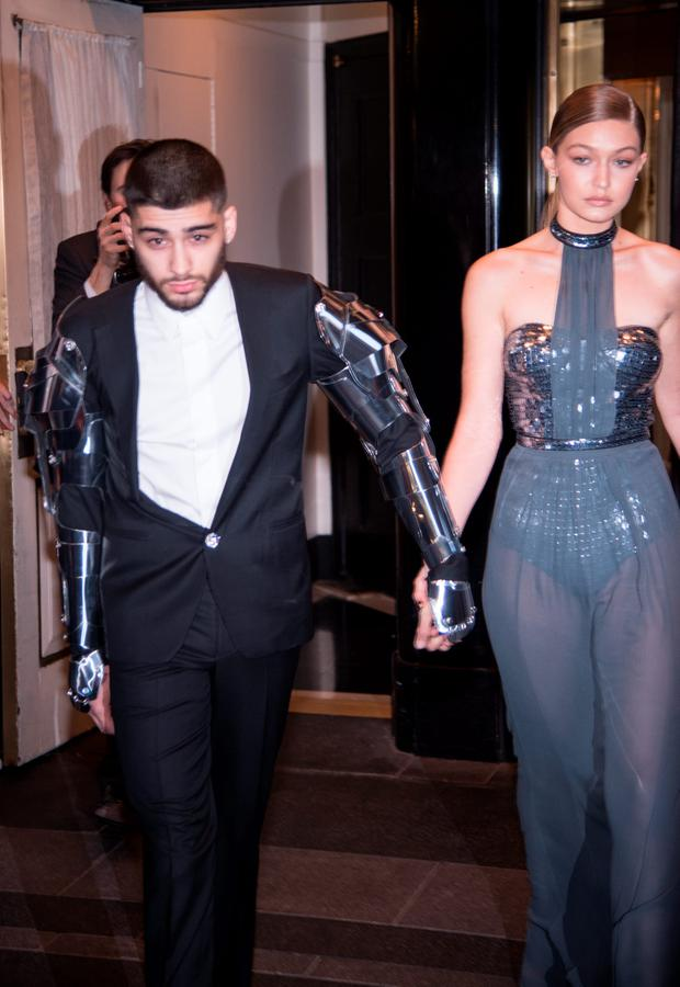 Gigi Hadid and Zayn Malik departs The Carlyle on May 2, 2016 in New York City. (Photo by Dave Kotinsky/Getty Images)