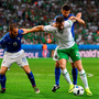 Daryl Murphy battles with Leonardo Bonucci and Thiago Motta. Photo by Stephen McCarthy / Sportsfile