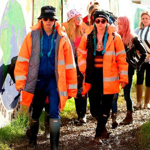 Cara Delevingne and Suki Waterhouse backstage at the Glastonbury Festival, at Worthy Farm in Somerset Credut: : Yui Mok/PA Wire
