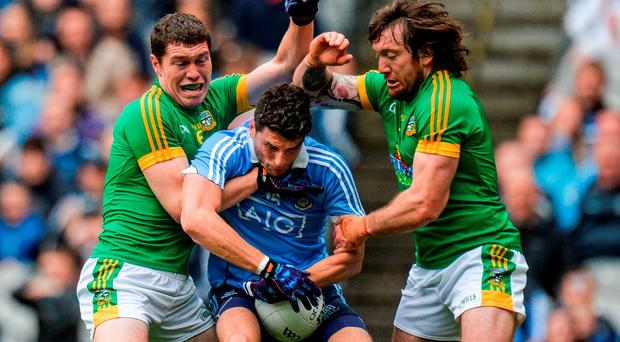 26 June 2016; Bernard Brogan of Dublin in action against Padraic Harnan, left, and Mickey Burke of Meath during the Leinster GAA Football Senior Championship Semi-Final match between Dublin and Meath at Croke Park in Dublin. Photo by Piaras Ó Mídheach/Sportsfile
