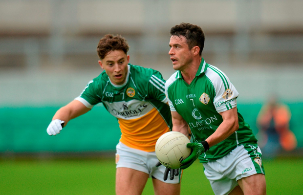 David McGreevy of London in action against Joey O'Connor of Offaly. Photo by Piaras Ó Mídheach/Sportsfile