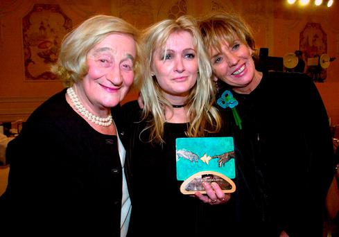 File photo dated 25/01/01: Caroline Aherne (centre) with fellow stars of The Royle Family Liz Smith (left) and Sue Johnston after they won the Comedy Award at the South Bank Awards, as Aherne has died at the age of 52 after a battle with cancer, her publicist has said. Photo: Fiona Hanson/PA Wire