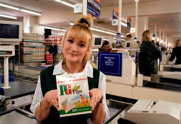 File photo dated 03/04/1998 of Caroline Aherne starring in an advert for PG Tips. Photo: PA Photos/PA Wire