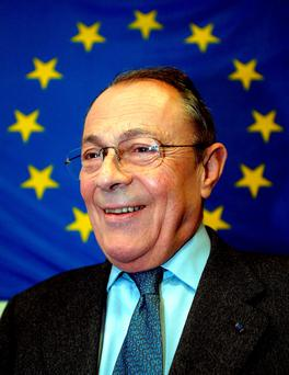 Former French prime minister Michel Rocard pictured on May 7, 2004. Reuters/Jean-Paul Pelissier/File photo