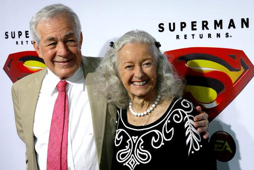 Actors Jack Larson (L) and Noel Neill, who played Jimmy Olsen and Lois Lane respectively in the 1952 Superman television series, pose for photograph during the Superman Returns DVD and video game launch party in Hollywood November 16, 2006. REUTERS/Gus Ruelas/File Photo