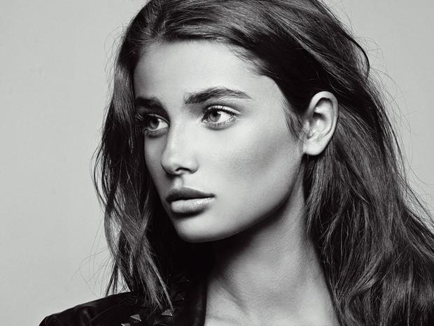 Taylor Hill has been unveiled as the new face of Lancôme