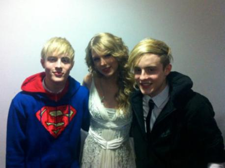 Jedward and Taylor Swift backstage at her Dublin concert on 2011. Photo: Twitter