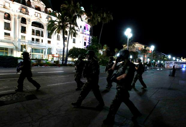 French soldiers advance on the street after the terror attack in Nice, France. Reuters/Eric Gaillard