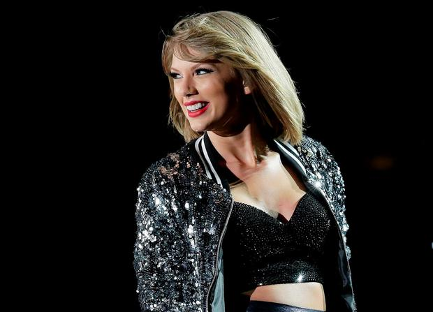 Taylor Swift performs during her '1989' World Tour at ANZ Stadium on November 28, 2015 in Sydney, Australia. (Photo by Mark Metcalfe/Getty Images)