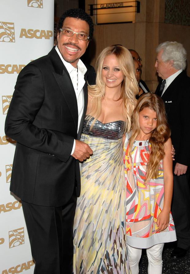 (L-R) Singer Lionel Richie, daughter Nicole Richie and daughter Sophia Richie attend ASCAP's 25th Annual Pop Music Awards at the Kodak Theatre on April 9, 2008 in Hollywood, California. (Photo by Stephen Shugerman/Getty Images)