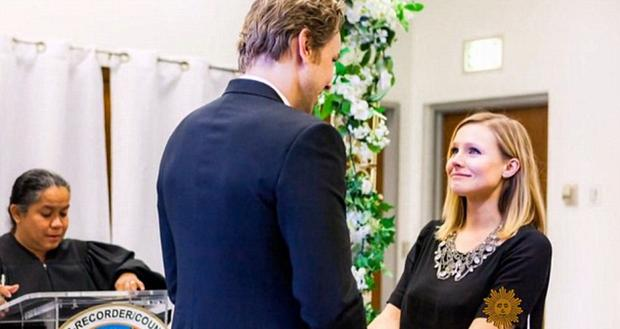 Dax Sheperd and Kristen Bell on their wedding day. Picture: Kristen Bell via CBS