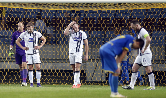 Dundalk players react after conceeding a goal Photo by Sportsfile