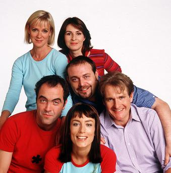 Cold Feet: Series 3: 2000 Back Row L-R - Karen [Hermione Norris], Rachel [Helen Baxendale], Middle Row L-R - Adam [James Nesbitt], Pete [John Thompson], David [Robert Bathhurst] and front Row Jenny [Fay Ripley] Copyright Granada Tv