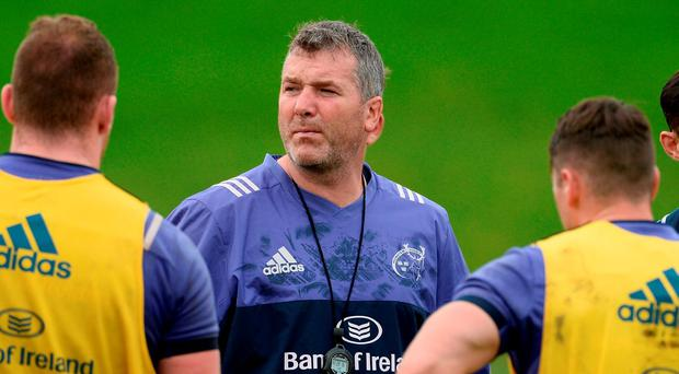Munster head coach Anthony Foley speaks to his players during their training session in Limerick this week. Photo: Sportsfile
