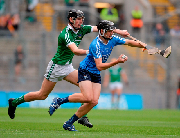 Dublin's Donal Burke in action against Limerick's Conor Boylan. Photo by Piaras Ó Mídheach/Sportsfile
