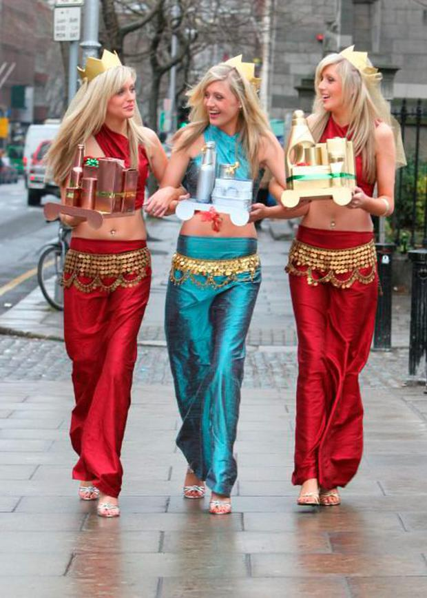 The Crimmins triplets at a photocall in 2005