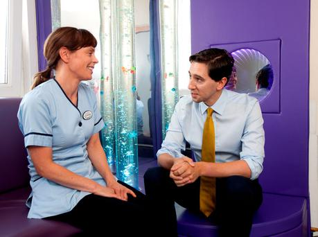 Health Minister Simon Harris met clinical nurse manager Clara Murtagh as he visited Temple Street Children's University Hospital. Photo: Iain White/Fennell Photography