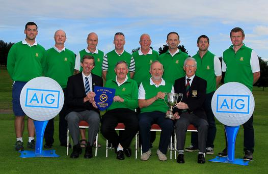 The Tralee Team with the Munster Golf Pennant at Cork Golf Club. Photo: Golffile/Thos Caffrey)