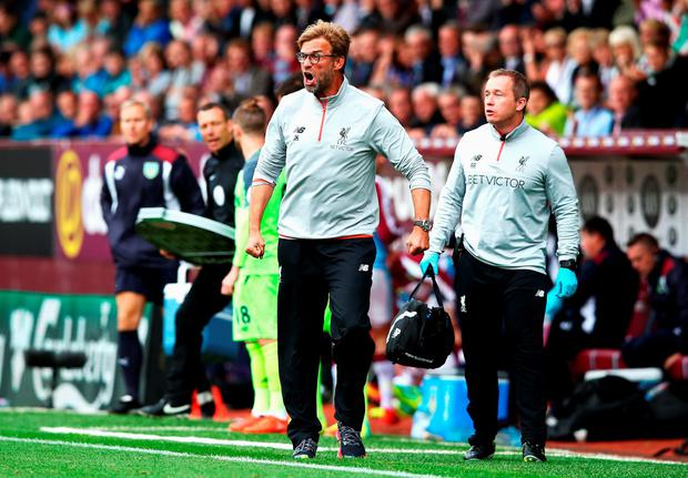 Klopp shows displeasure from the sidelines. Photo: Getty