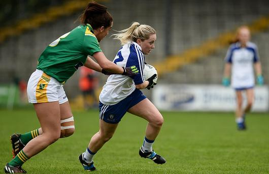 20 August 2016; Ciara McAnespie of Monaghan in action against Aislinn Desmond of Kerry during the TG4 Ladies Football All-Ireland Senior Championship Quarter-Final game between Monaghan and Kerry at St Brendan's Park in Birr, Co Offaly. Photo by Sam Barnes/Sportsfile