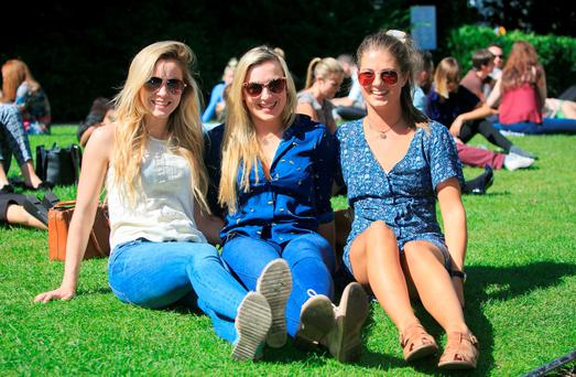 (L to r) Leah o Keefe, Kate Lynch & Kathleen Horgan all from Clare enjoying the good weather in St. Stephens Green, Dublin. Photo: Gareth Chaney Collins
