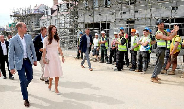 A builder snapped a picture with Kate Middleton and Prince William
