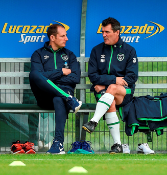 Assistant manager Roy Keane chats to Gary Rogers during Ireland's training session in Abbotstown yesterday before the goalkeeper lined out for Dundalk in last night's League of Ireland clash at Dalymount. Photo: Sportsfile
