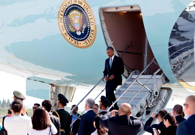 U.S. President Barack Obama arrives on Air Force One at Hangzhou Xiaoshan International Airport in Hangzhou in eastern China's Zhejiang province, Saturday, Sept. 3, 2016