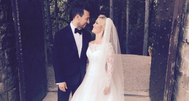 Heidi Range and Alex Partakis on their big day. Photo: Twitter