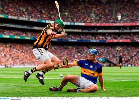 John McGrath of Tipperary in action against Shane Prendergast of Kilkenny during the GAA Hurling All-Ireland Senior Championship Final match between Kilkenny and Tipperary at Croke Park in Dublin. Photo by Stephen McCarthy/Sportsfile