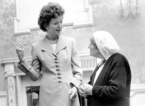 President Mary Robinson meets Mother Teresa in 1993 at Áras an Uachtaráin