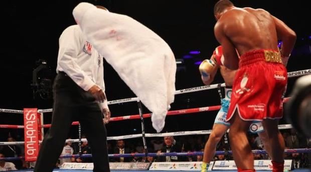 The towel is thrown during Kell Brook's fight CREDIT: GETTY IMAGES
