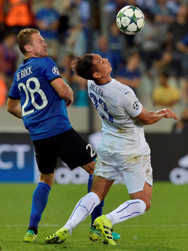 Leicester City's Leonardo Ulloa in action with Club Brugge's Laurens De Bock. Photo: Eric Vidal/Reuters