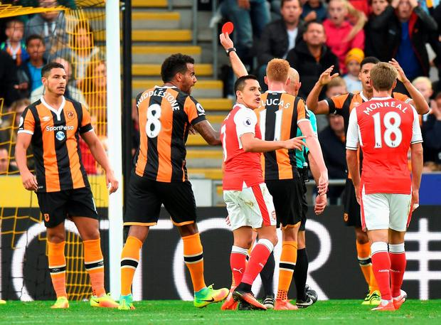 Hull's Jake Livermore (L) gets sent off. Photo: Getty
