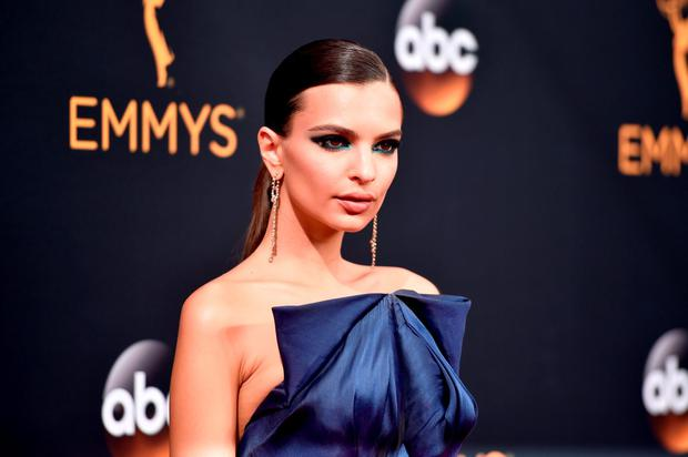 Actress Emily Ratajkowski attends the 68th Annual Primetime Emmy Awards at Microsoft Theater on September 18, 2016 in Los Angeles, California. (Photo by Alberto E. Rodriguez/Getty Images)