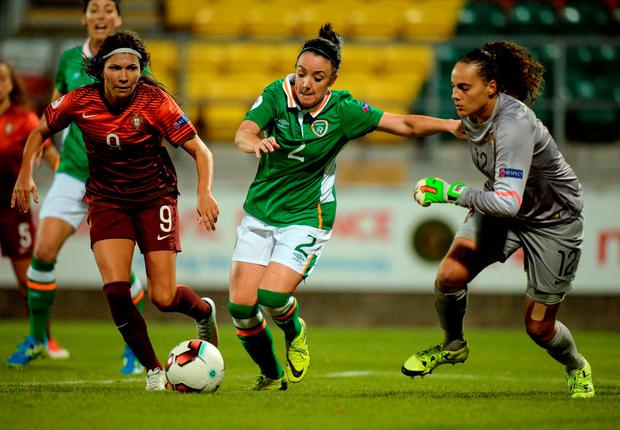 Sophie Perry is stopped by Portugal goalkeeper Barros Morais Patricia Isabel. Photo by Cody Glenn/Sportsfile