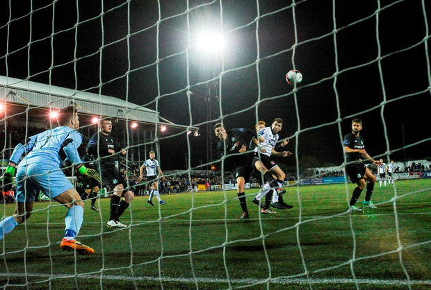 Brian Gartland scores the equaliser for Dundalk. Photo by David Maher/Sportsfile