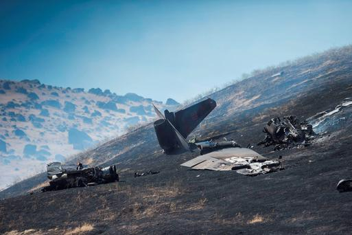 The wreckage of a U-2 spy plane that crashed after taking off from Beale Air Force Base on a training mission in Northern California. (Hector Amezcua/The Sacramento Bee via AP)