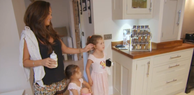 Kayleah Long and daughters. Photo: Livin' With Lucy / TV3