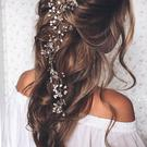 Photo: Mon Cheri Bridals, Pinterest