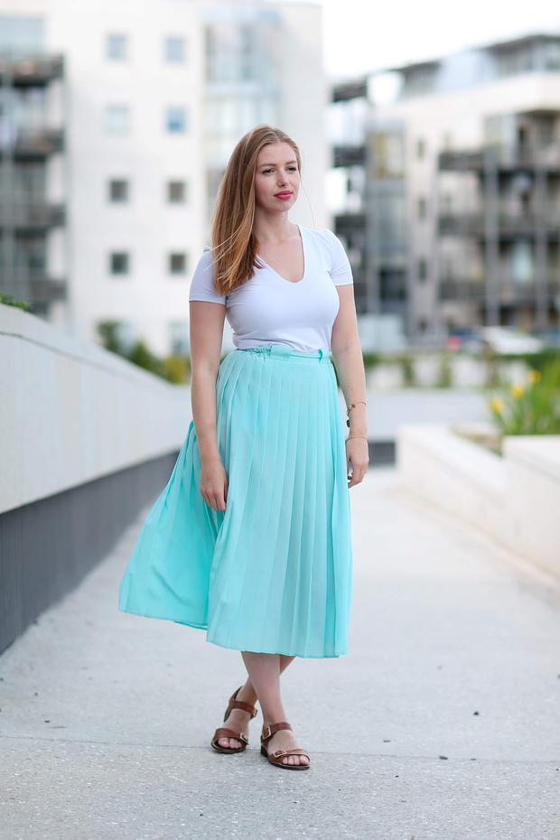 Seana Kerslake in Dun Laoghaire for Weekend Magazine. Picture: Fran Veale