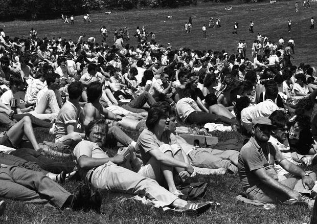 Bruce Springsteen concert at Slane Castle June 1985 (Part of the Independent Newspapers Ireland/NLI collection.)