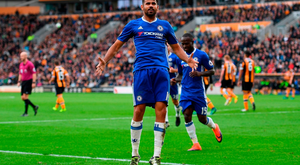 HULL, ENGLAND - OCTOBER 01: Diego Costa of Chelsea celebrates scoring his sides second goal during the Premier League match between Hull City and Chelsea at KCOM Stadium on October 1, 2016 in Hull, England. (Photo by Shaun Botterill/Getty Images)