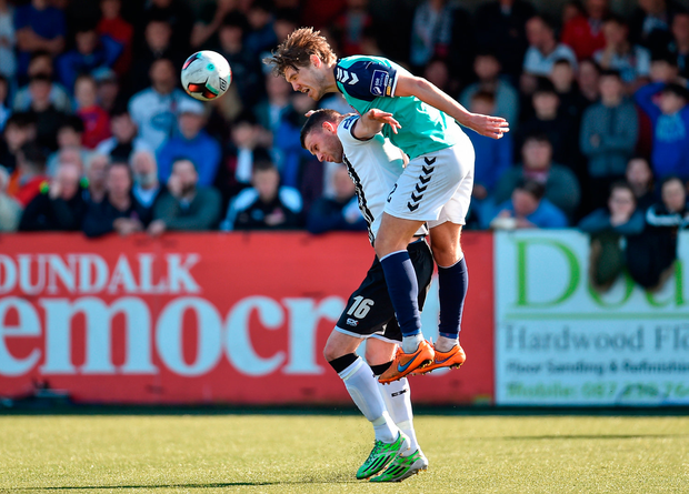 Ciaran Kilduff of Dundalk in action against Niclas Vemmelund of Derry City. Photo by Paul Mohan/Sportsfile
