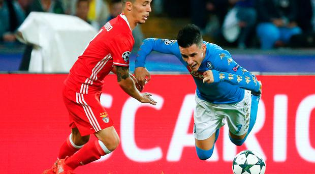 Football - Soccer - Napoli v Benfica - UEFA Champions League Group Stage - Group B - San Paolo Stadium, Naples, Italy - 28/09/2016. Napoli's Jose Callejon in action against Benfica's Alex Grimaldo. REUTERS / Ciro De Luca