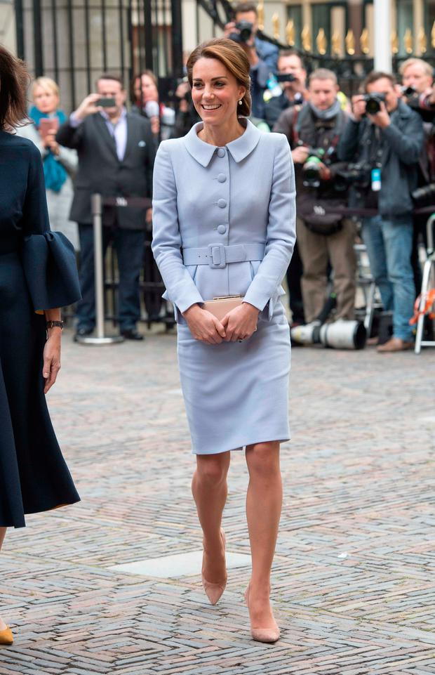Catherine, Duchess of Cambridge arrives to visit the Mauritshuis Gallery during a solo visit to the Hague on October 11, 2016 in the Hague, Netherlands. (Photo by Arthur Edwards - Pool/Getty Images)