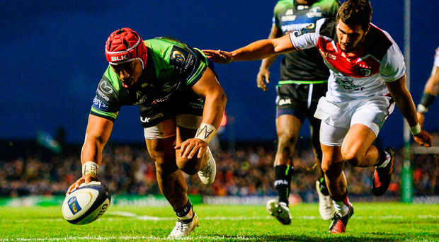 Bundee Aki scores his team's third try of the match during their superb victory against Toulouse. Photo: Sportsfile