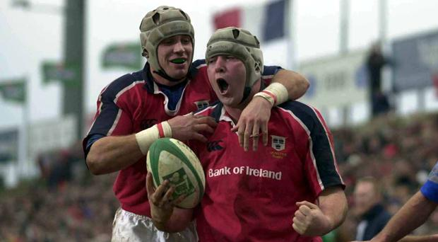 Anthony Foley alongside Munster team mate Alan Quinlan in 2001