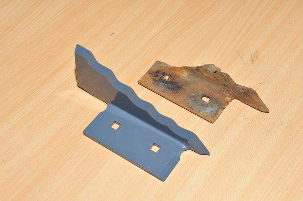 This picture compares a new knife with one that certainly doesn't owe its owner anything. These are bolted into the body of the wagon from the outside and make a huge difference to the efficiency of the mixing process when they are sharp and new. You shouldn't try and sharpen these yourself with an angle grinder; when they are worn they simply need replacing. Knives should be replaced after about 1,000 mixes.